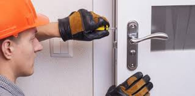 Four Reasons To Have Residential Locksmith Service From Local Handyman